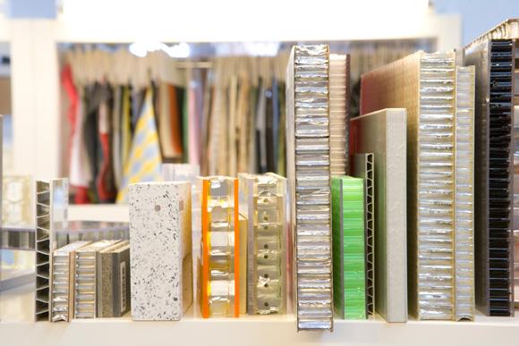 Muestras de materiales en la materioteca