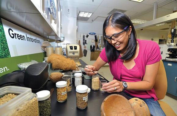 Investigadores de Ford y Heinz desarrollan un método para la obtención de bioplástico a partir de tomates (Foto: Ford)